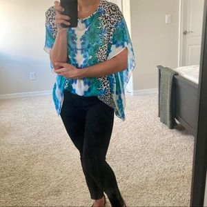 5 for $10 ✂️ JACLYN SMITH floral animal print top